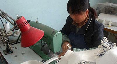 柄革を製作する。